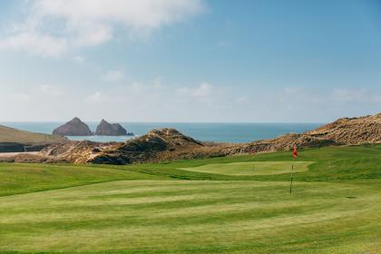 18 Hole Par 3 Golf - save 20%