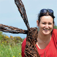 Wire Sculptures with Emma Stothard