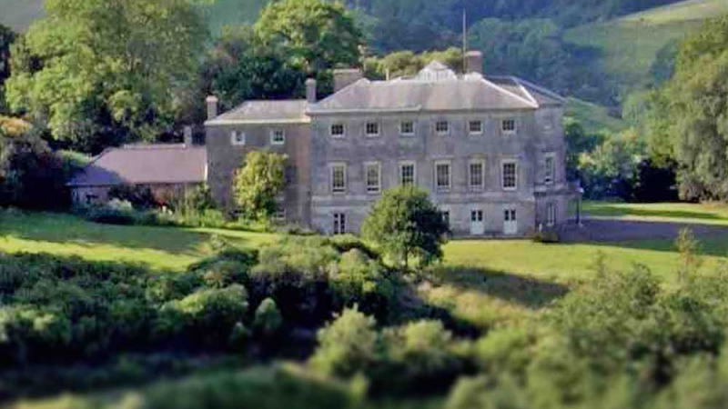 Sharpham House: Taking Mindfulness Deeper - 5 nights (with Ramiro Ortega & Patti Summerville)
