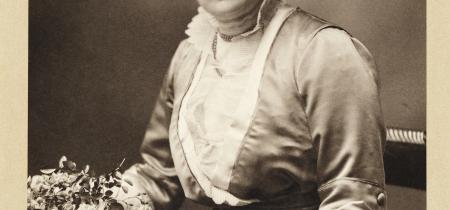 Tessa Boase: Mrs Pankhurst's Purple Feather