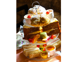 Afternoon Tea with Prosecco or Peroni Voucher For One