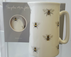 BUSY BEE IN BATH JUG