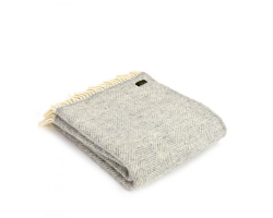 Woollen knee throw - fishbone silver grey